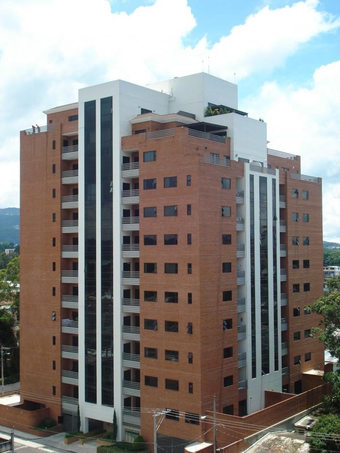 Apartamento En Renta Torre del Valle Amueblado Z. 10