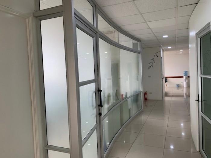 RENTA oficina/clínica en Sixtino zona 10