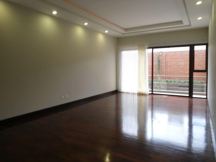Apartamento en renta en primer nivel zona 14 Guatemala