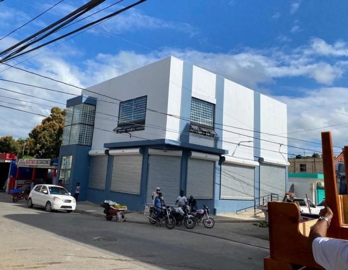 Alquilo Local Comercial en Higüey, La Altagracia