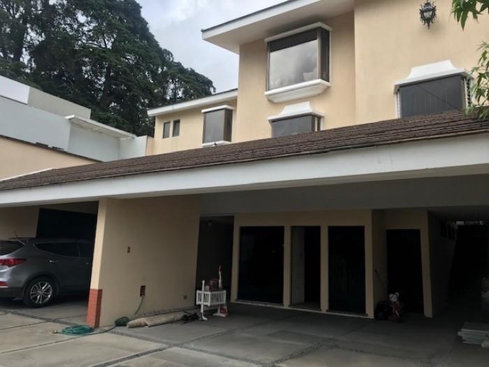 Residencia en renta en Condominio zona 10 Guatemala