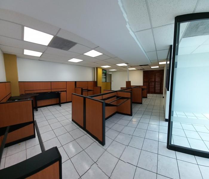 Oficina tabicada en renta en zona 4 cerca 4 grados!!!