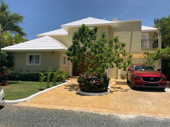 Villa en Venta en el corazón de  Punta Cana Village