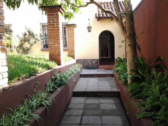 Casa en Renta en Area de Ciudad Vieja Zona 10 Guatemala
