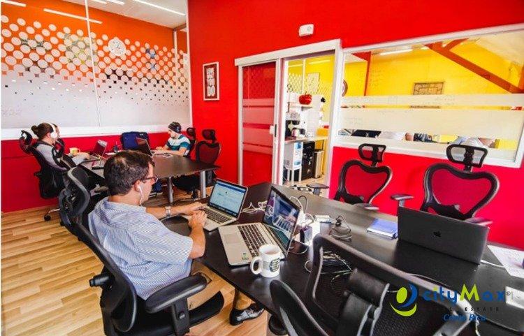 Oficina amueblada en alquiler en La Sabana San José CR