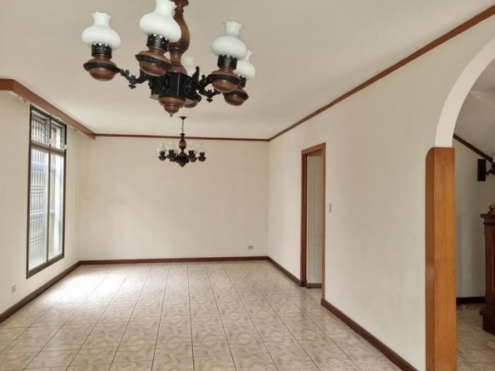 Casa en Venta Zona 10 Guatemala, adentro de condominio