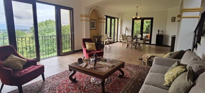 Casa en alquiler o venta en Ciudad Colón San José CR