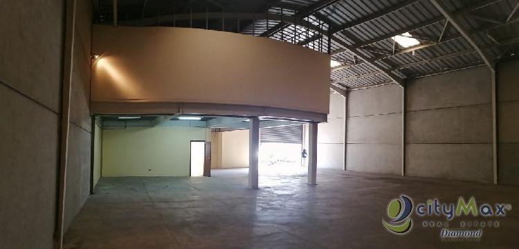 Ofibodega en renta en zona 12 condominio Industrial