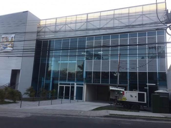 Se alquila edificio en Pozos de Santa Ana, como nuevo