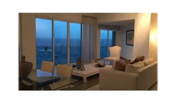 Se alquila apartamento, frente al mar en Gazcue