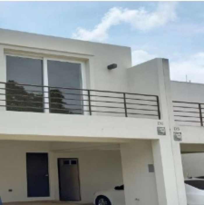 Casa en Venta en Km. 26 Santa Elena Barillas