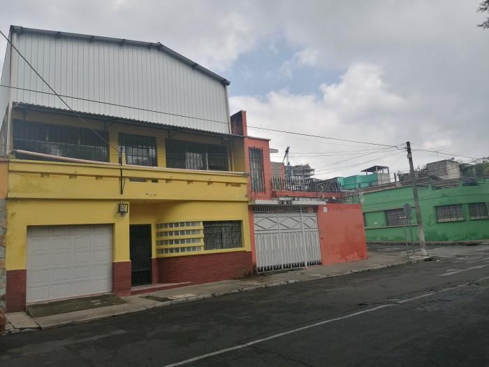 Casa o terreno en venta en zona 2 Ciudad Nueva