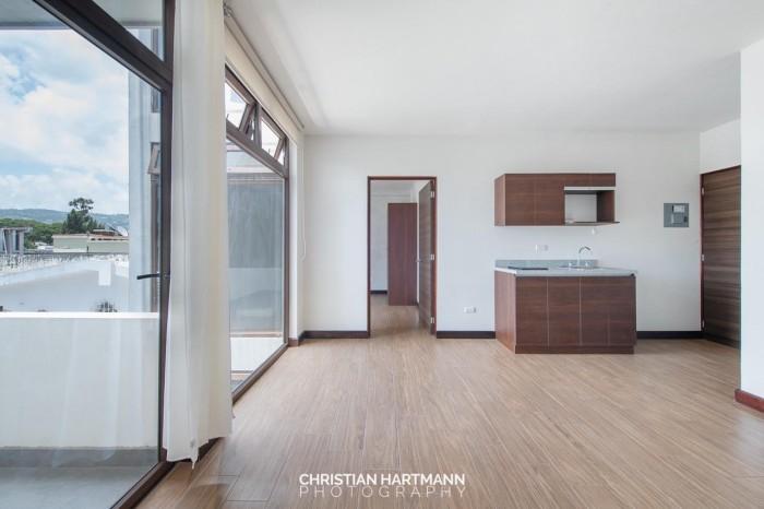 Rento Apartamento en zona 10 Oakland II