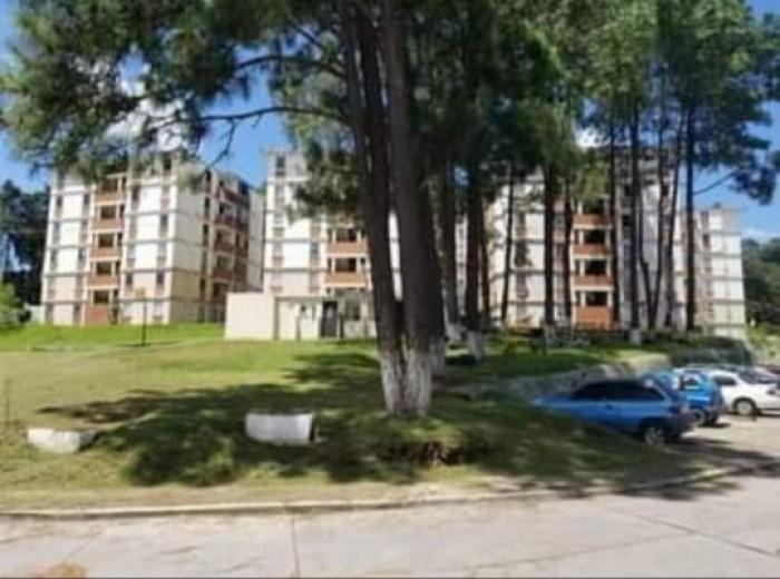 Vendo apartamento en zona 10 de Santa Catarina Pinulaa