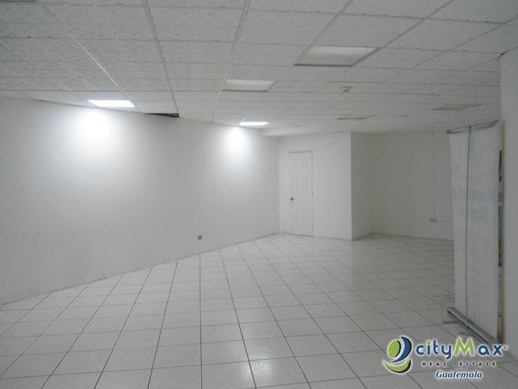 Renta local comercial en zona 10 Plaza Comercial