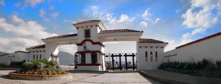 VENTA PRECIOSA CASA en Condominio Residencial en XELA