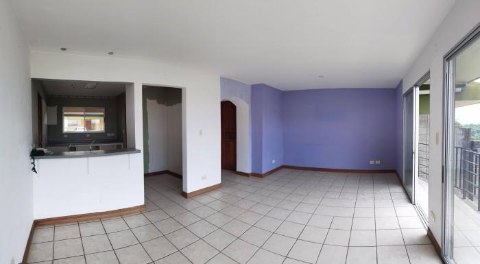 Se vende hermosa casa en Tibás en condominio, 3 hab