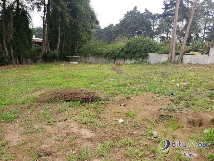 Terreno en renta en Zona 1 de San Lucas Sacatepequez