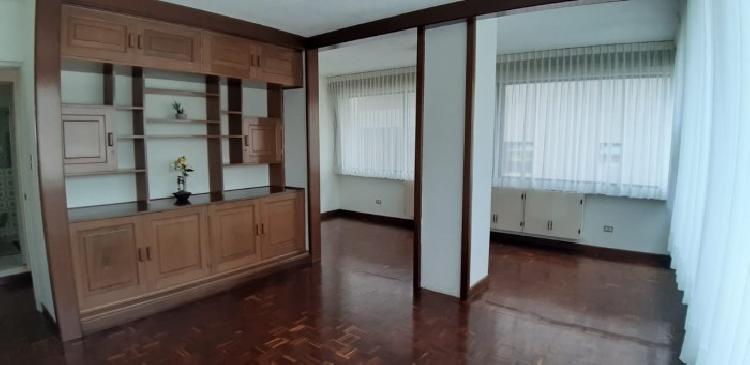 Apartamento en renta de 3 habitaciones en zona 14