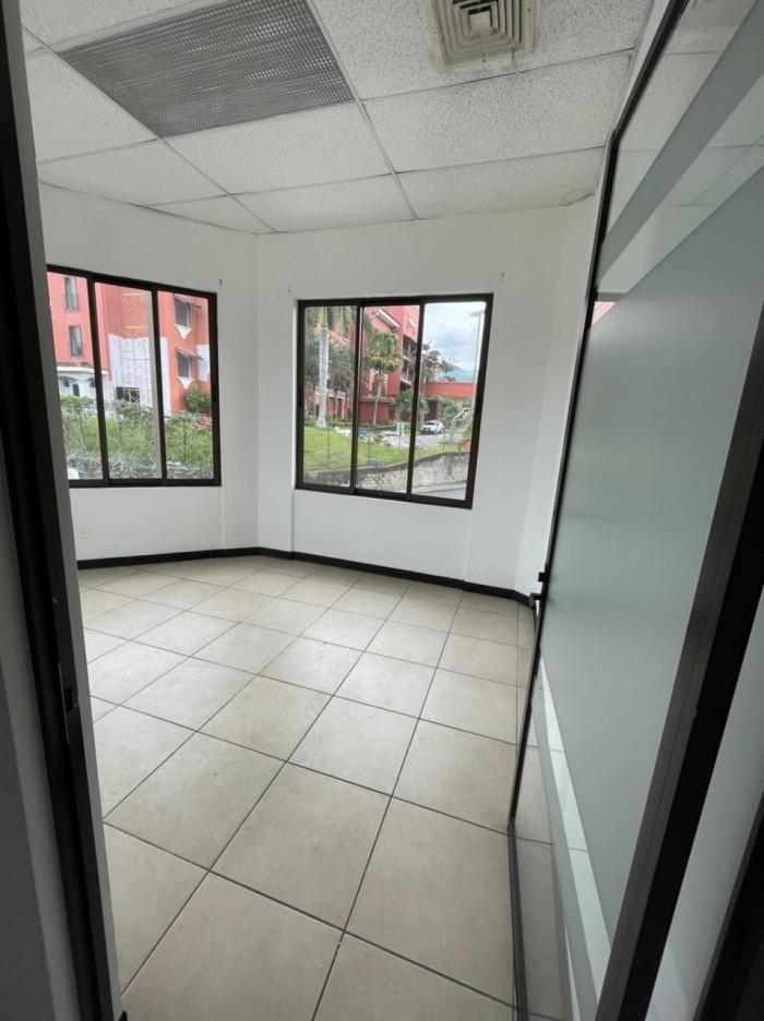 Se alquila oficina en Condominio, San Rafael de Escazú