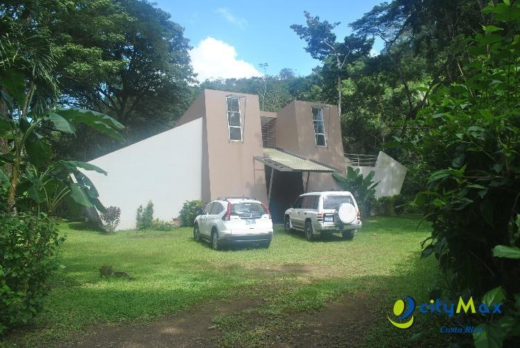 Se Vende Terreno plano y Casa en construcción Herradura