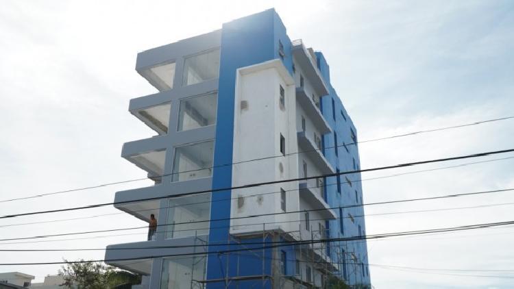 Venta de oficina comercial en la Gustavo Mejía Ricart