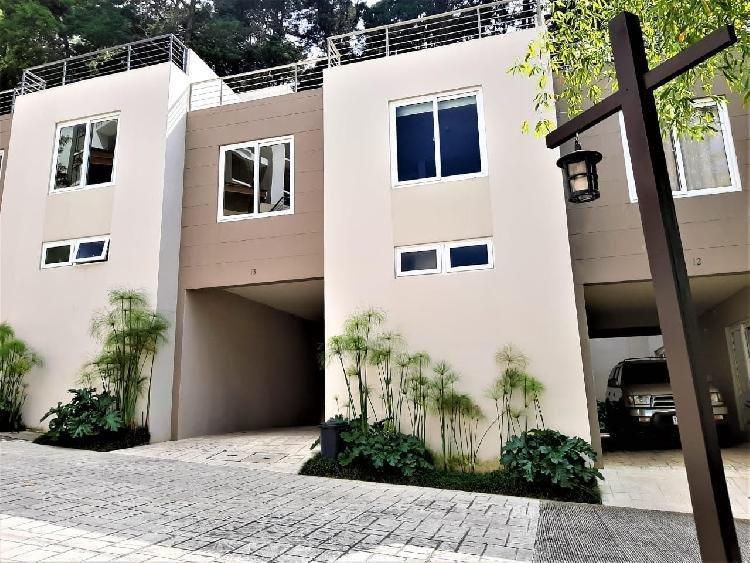 Casa a la venta en Carretera a el Salvador Km 14