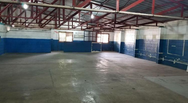 Alquilo almacén NAVE en Don Bosco de 555.89 mt2s