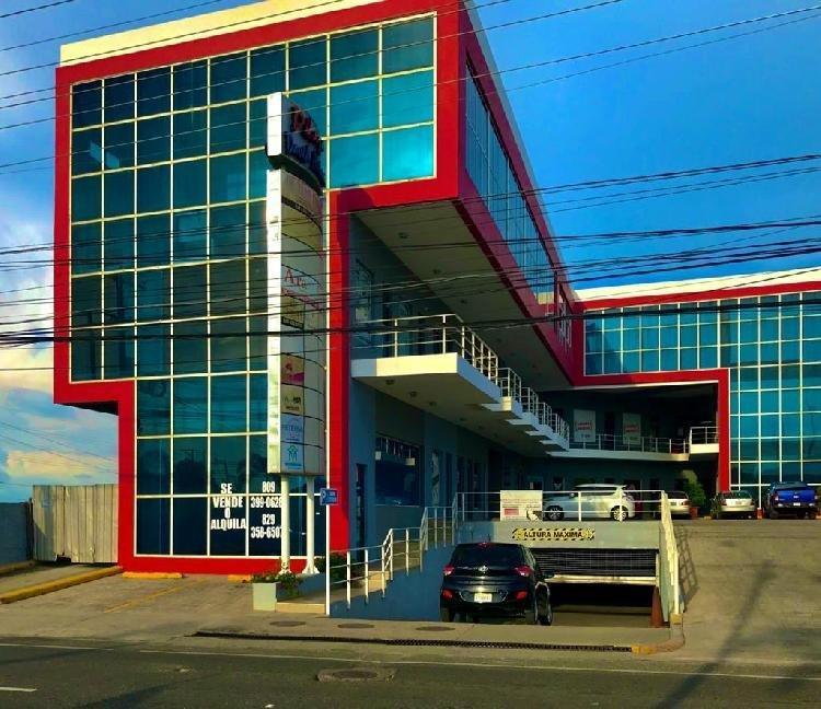 Rento Local comercial en la Zona Oriental en la CHARLES