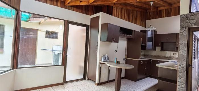 Casa en venta en Tibás Centro, San José Costa Rica!