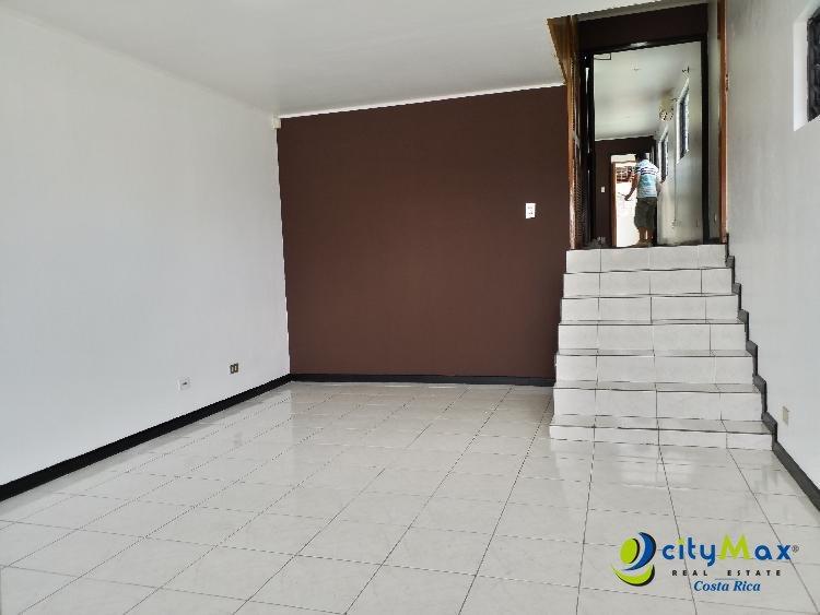 Se alquila lindo y amplio apartamento en Rohrmoser SJ