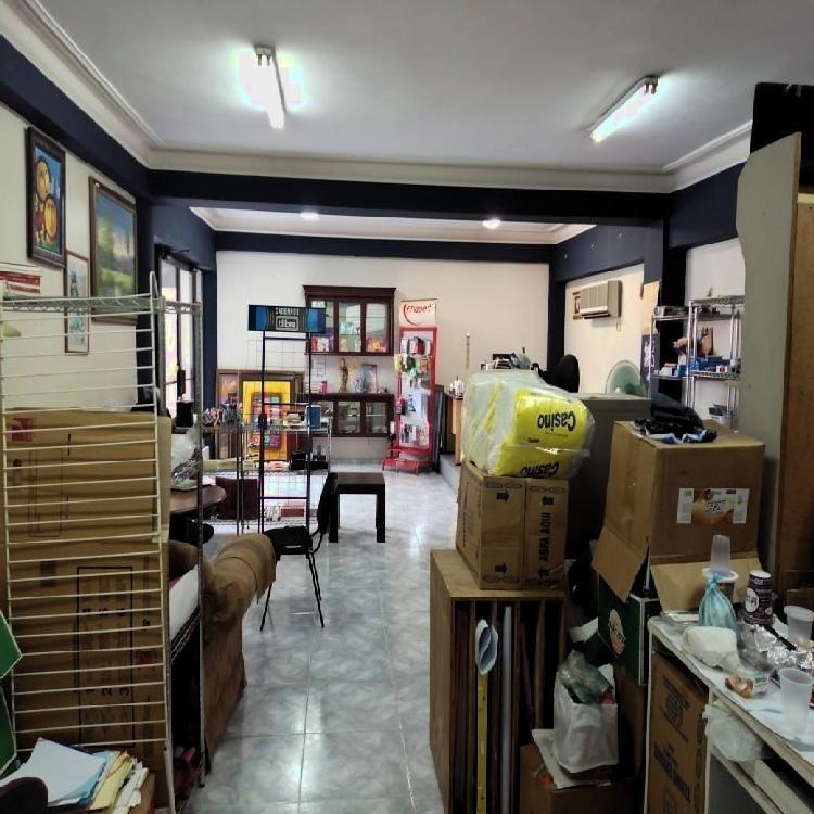 Alquilo Local Comercial 70 mts en Plaza de Piantini