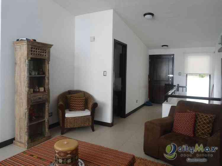 En venta amplia casa en Muxbal!!!