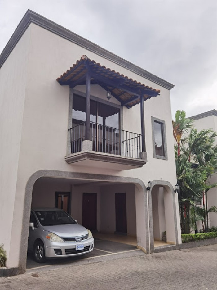 Casa en alquiler en Belén Heredia cercana Real Cariari
