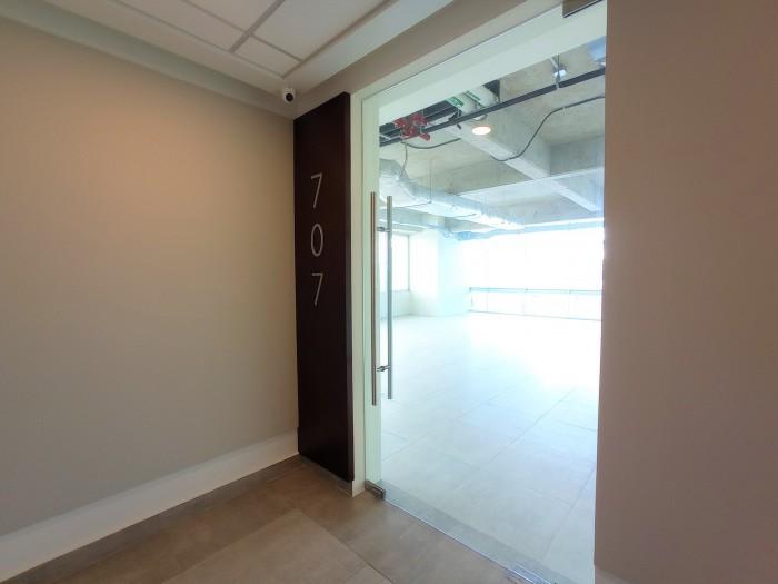 Vendo moderna oficina en Edificio Insigne San Benito