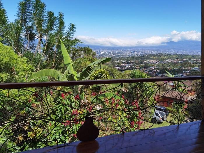 Apartamento en alquiler San Antonio Escazú con mirador!