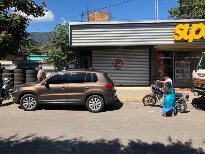 LOCAL SOBRE VIA PRINCIPAL EN ESQUIPULAS CHIQUIMULA