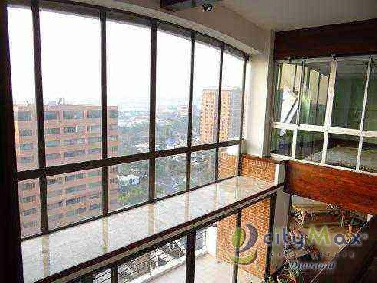 Alquilo Elegante Apartamento de 530.00m2 en Zona 14