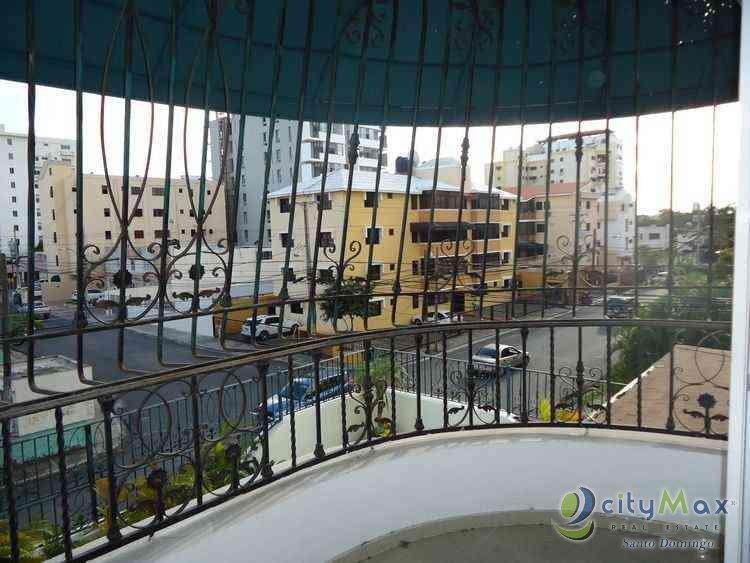 Apartamento de 3 Hab en Venta en Evaristo Morales