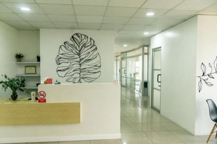 RENTA Espacio 5mt2 clínica/oficina en zona 10 Sixtino