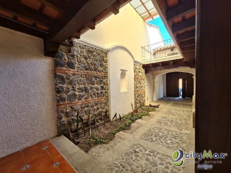 Citymax Antigua vende casa en condominio de Jocotenango