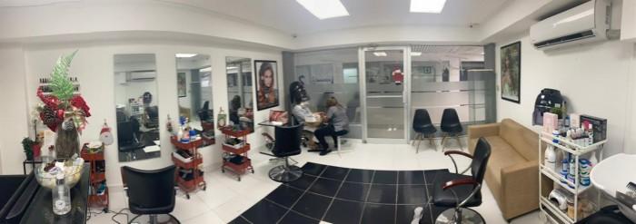 Vendo punto comercial de salon de belleza en Naco
