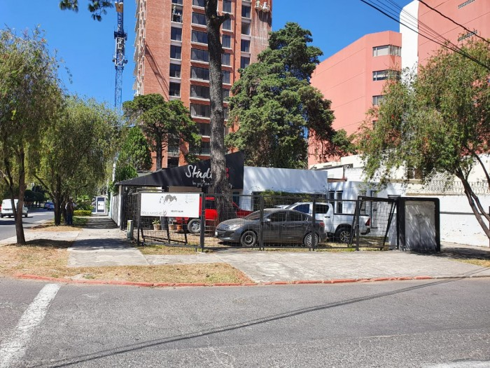 Casa en alquiler para uso comercial en zona 10