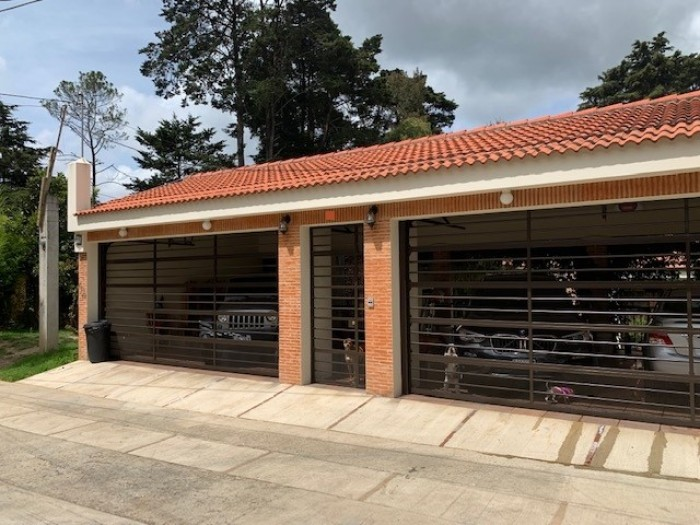 VENTA Casa en condominio en San Lucas Sacatepéquez