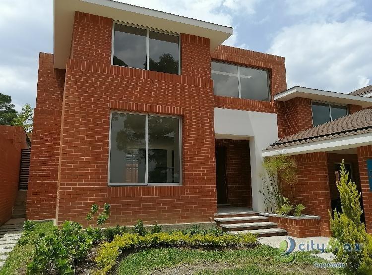 Vendo Casa de Esquina Nueva en Condominio zona 16
