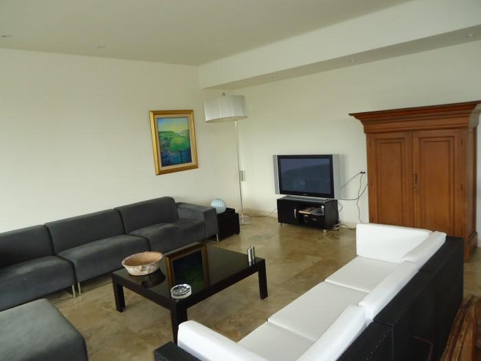 ALQUILO exclusivo apartamento en El Pedregal