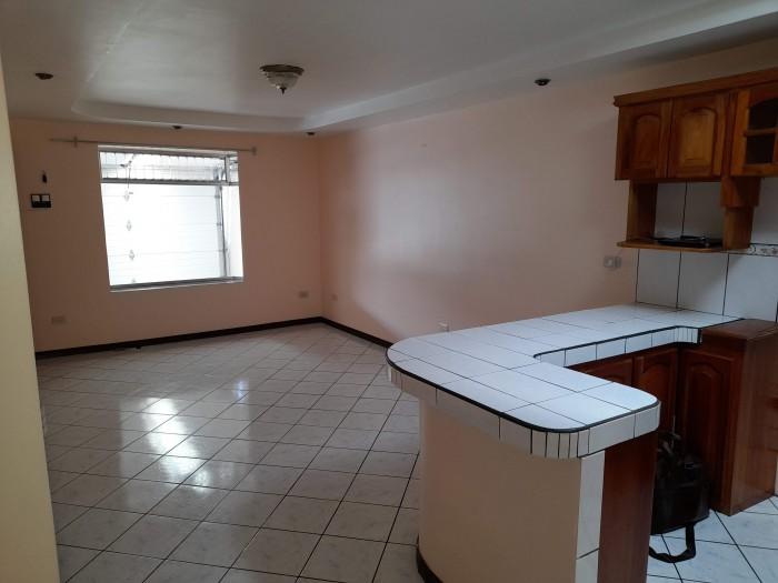 Se vende casa de 2 habitaciones en Coronado San José