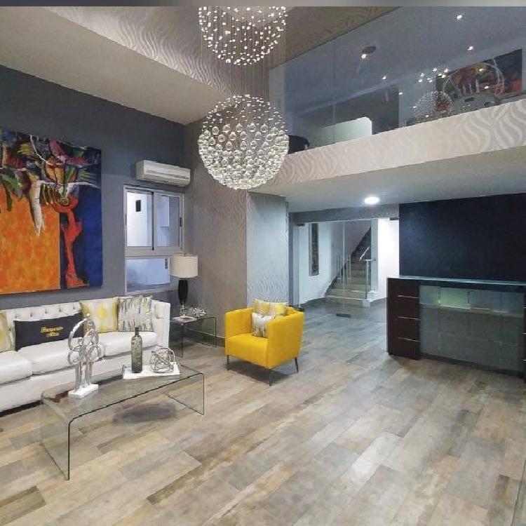 Lujoso apartamento en renta amueblado en  Piantini
