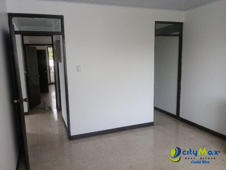 Se Alquila amplio Local en San Isidro de Pérez Zeledón!
