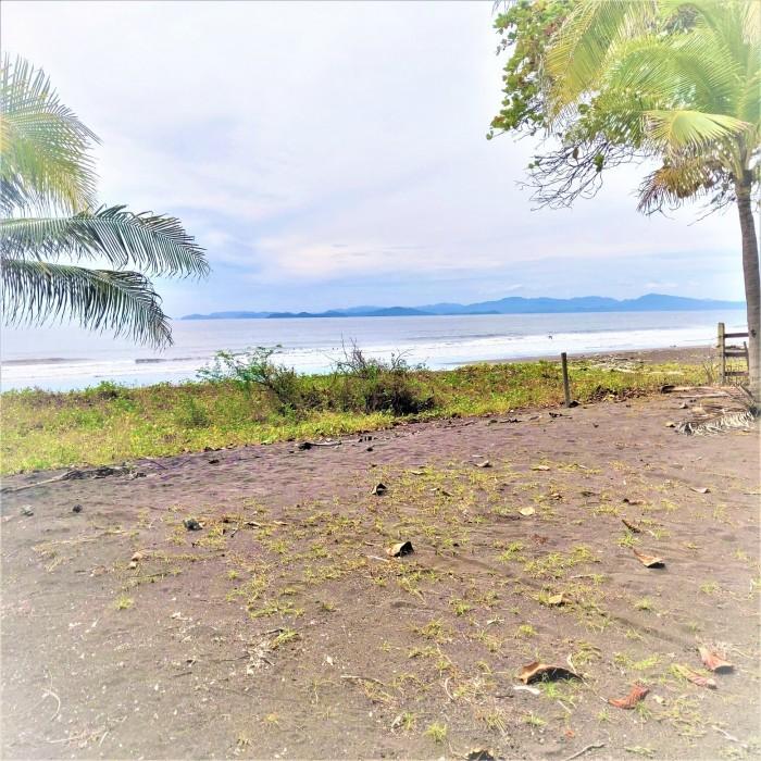 Se vende lote para construir en Playa Tivives, Esparza